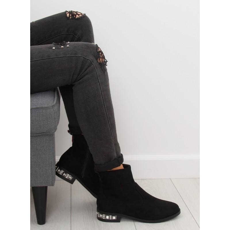 65b6f3aa8 Čierne dámske členkové semišové topánky na zimu s trendy opätkom