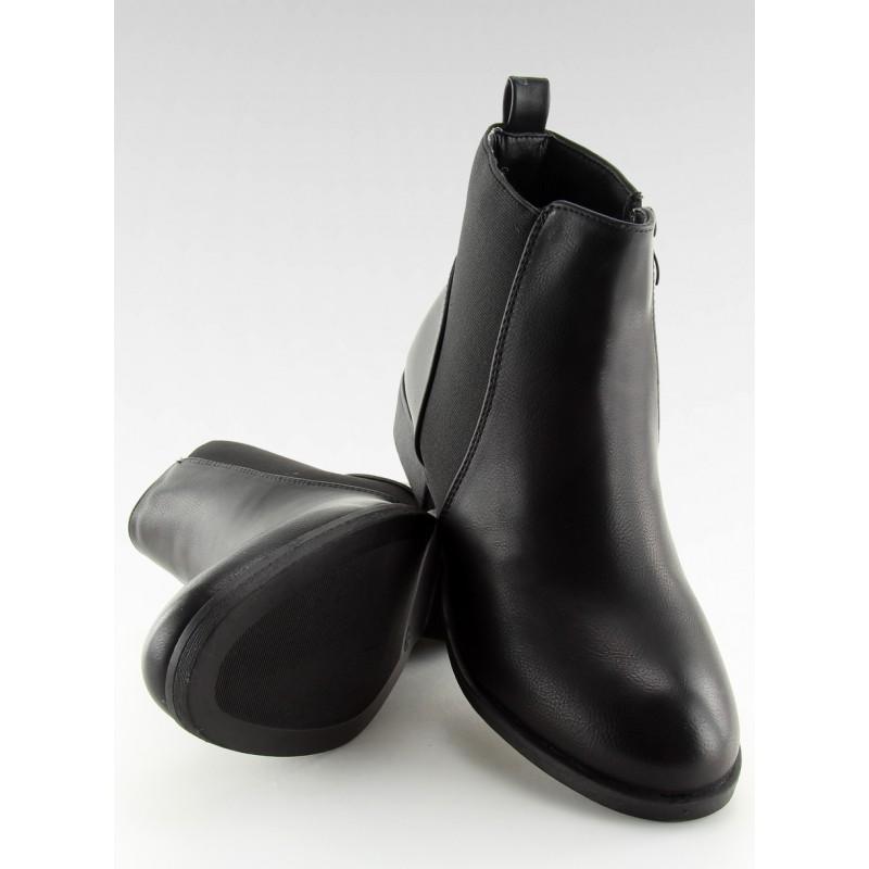 634c5ffeddfb Čierne dámske členkové topánky na nízkom opätku s bočnou gumou