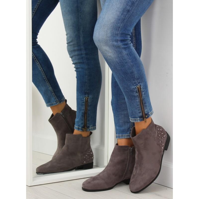 5165f4a5c Nízke kotníkové sivé topánky s bočným zipsom a ozdobným vybíjaním