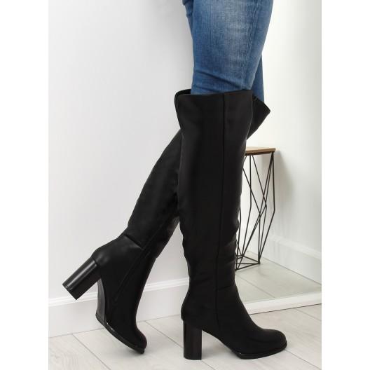 Elegantné dámske čierne čižmy nad kolená na vysokom hrubom opätku