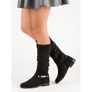Nízke dámske čižmy na zimu v čiernej farbe