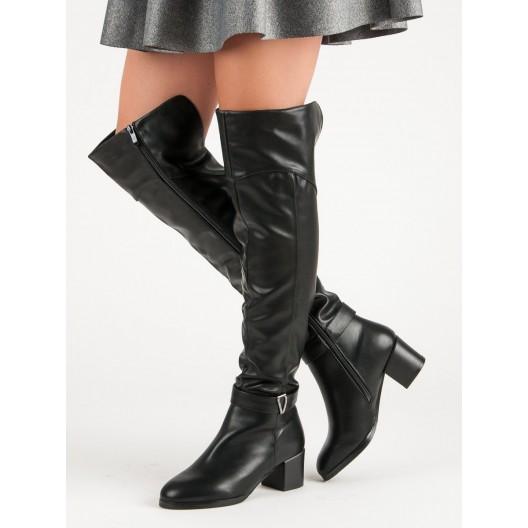 Zateplené čižmy na zimu čiernej farby s hrubým podpätkom