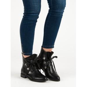 Dámske zimné topánky s viazaním v čiernej farbe