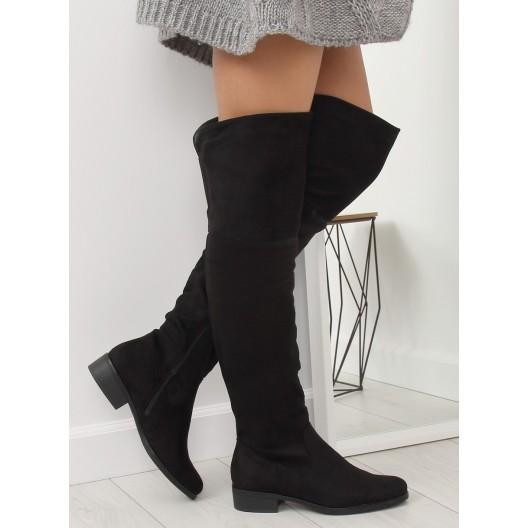 Vysoké zateplené dámske čižmy čiernej farby na nízkom podpätku