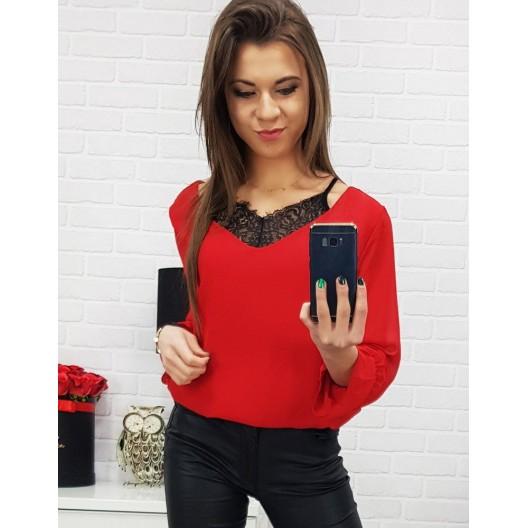 Červená dámska spoločenská blúzka s V výstrihom a vsadenou čipkou
