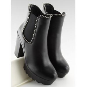 Vysoké dámske čierne topánky na zimu