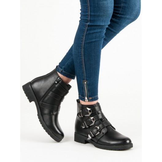 Čierne dámske topánky s prackami na zimu