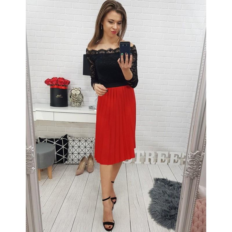 14154912b417 Elegantná dámska skladaná sukňa červenej farby