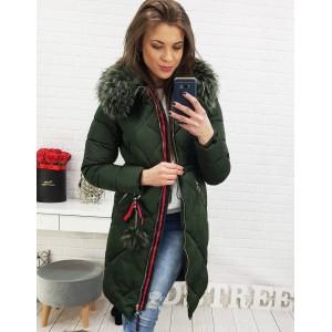 Elegantná predĺžená dámska bunda na zimu v tmavo zelenej farbe