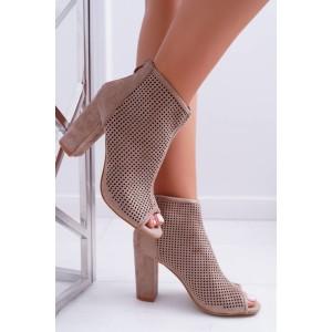 Dámske dierkované topánky na hrubom podpätku v hnedej farbe