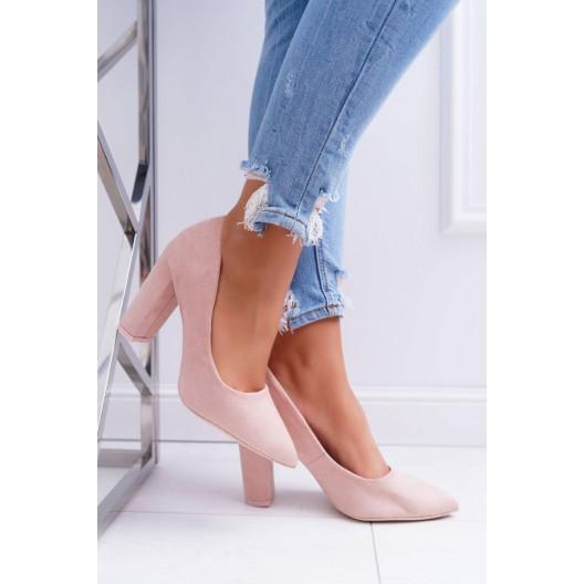 Ružové dámske semišové lodičky na trendy vysokom a hrubom opätku