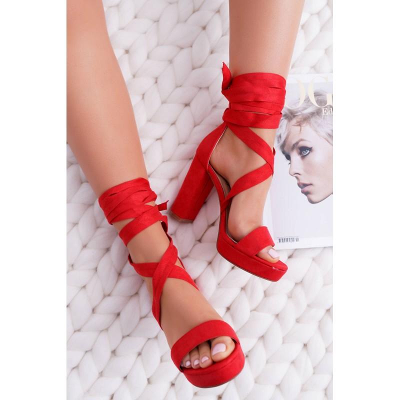 eb92c63522 Elegantné dámske sandále červené s viazaním