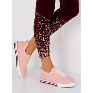 Moderne dámske tenisky s nápisom v svetlo ružovej farbe