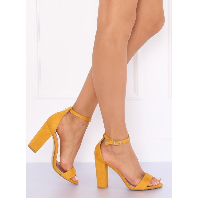 92aa3f46a9 Štýlové dámske letné sandále v žltej farbe s viazaním na remienok