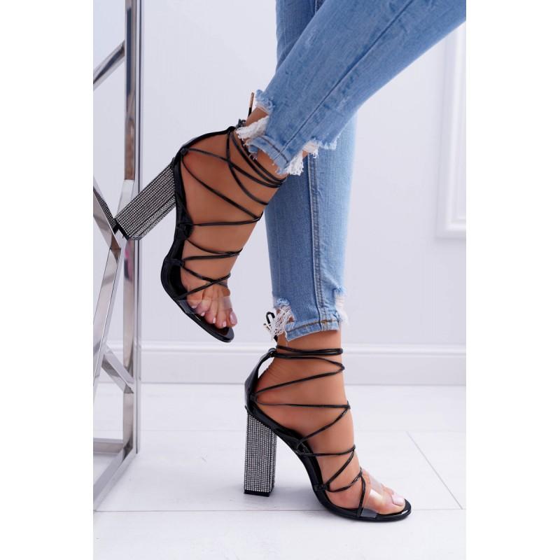 230a50445ed2 Vysoké dámske sandále čierne s viazaním a hrubým opätkom
