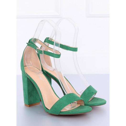 Pohodlné dámske semišové sandále v trendy zelenej farbe