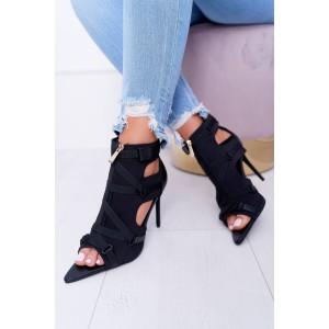 Extravagantné čierne sandále v špicatom tvare