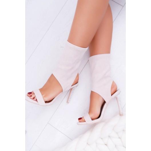 Vysoké béžové nazúvacie sandále nad členky s úzkym podpätkom