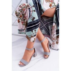 Letné sivé dámske sandále s hrubým podpätkom