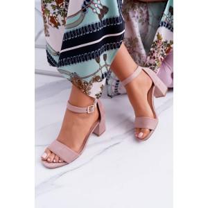 Pohodlné letné sandále svetlo ružovej farby na hrubom podpätku