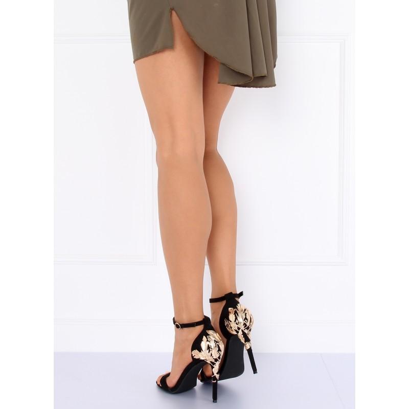 b147fa43632d Plesové sandále čierne so zlatou ozdobnou aplikáciou na päte