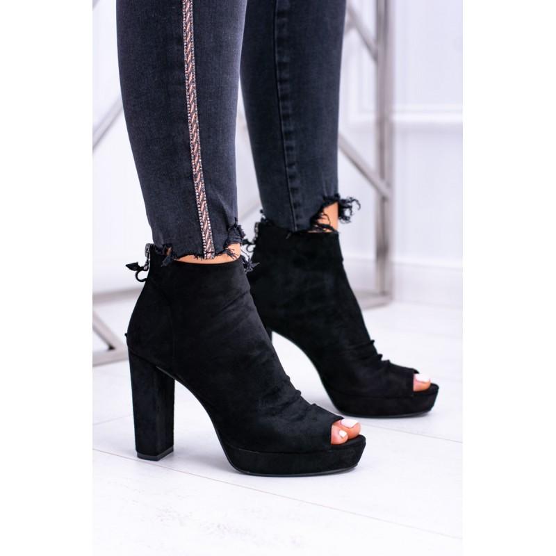 3c10288712da Členkové topánky čiernej farby so zipsom na päte a otvorenou špičkou
