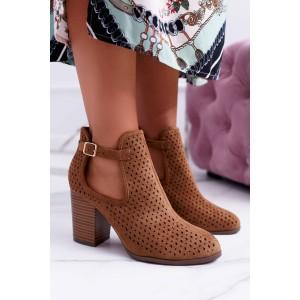 Hnedé členkové topánky dámske s prackou na boku