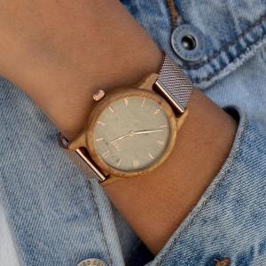 Dámske drevené hodinky v sivej farbe s kovovým remienkom