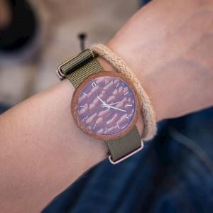 Drevené pánske hodinky s oranžovým ciferníkom a zeleným remienkom