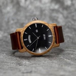Čierno hnedé drevené náramkové hodinky pánske