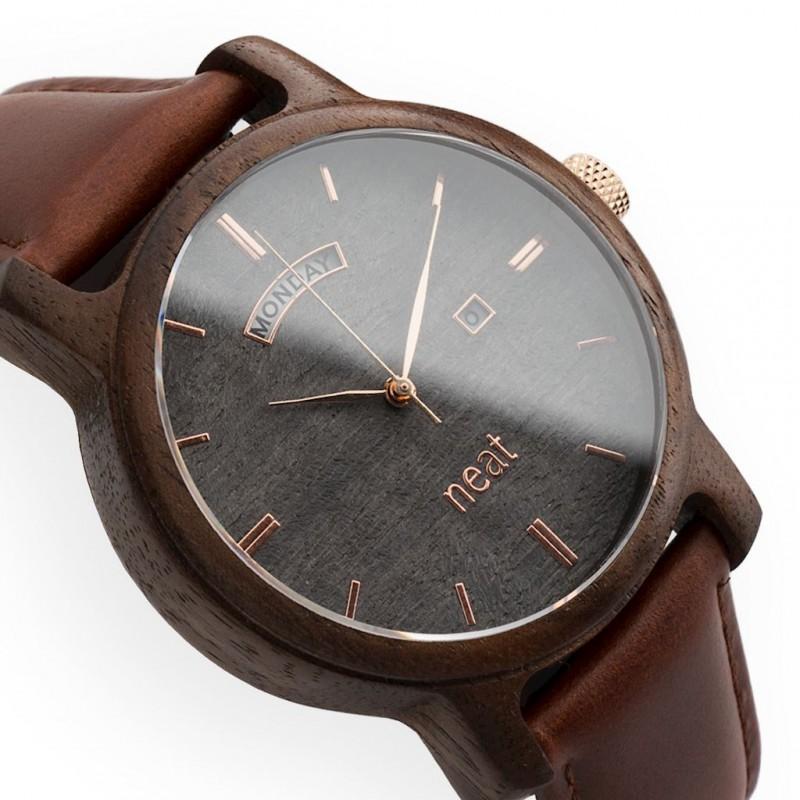 Sivo hnedé drevené pánske hodinky so zlatými ručičkami 623c330b47b