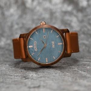 Pánske modro hnedé náramkové hodinky z dreva