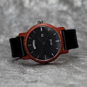 Pánske drevené čierne náramkové hodinky s kovovými číslicami