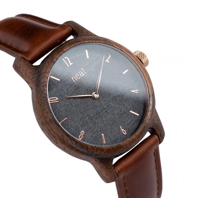 Elegantné pánske hnedé drevené hodinky so sivým ciferníkom 38d675218b0