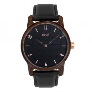 Pánske elegantné čierne hodinky z dreva