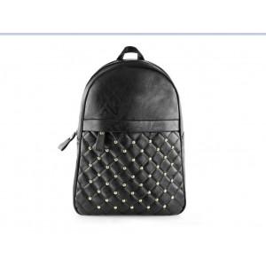 Vybíjaný čierny ruksak dámsky