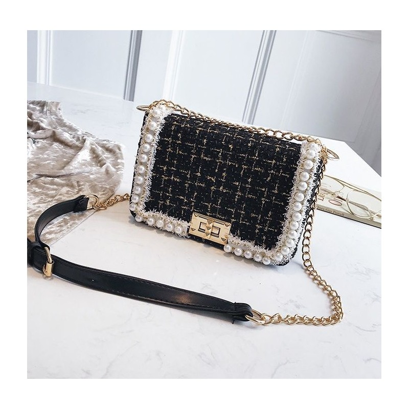 Dámska elegantná čierna crossbody kabelka s perličkami b8391bc42f1