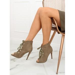 Zelené členkové topánky na podpätku s elegantnou stuhou