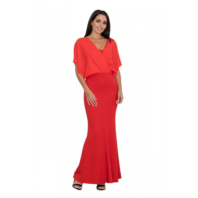 1119b739aeb7 Červené dámske dlhé šaty s efektným vrchom