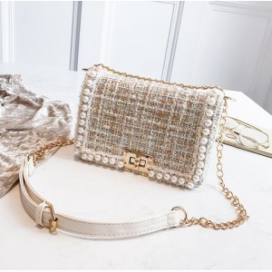 Dámska elegantná crossbody kabelka so zlatou retiazkou