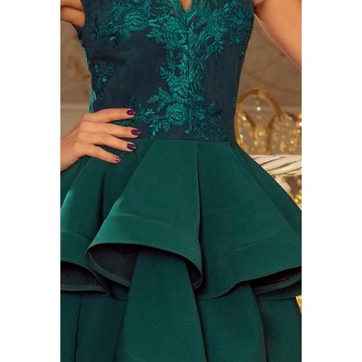 Exkluzívne spoločenské šaty s výstrihom a čipkou