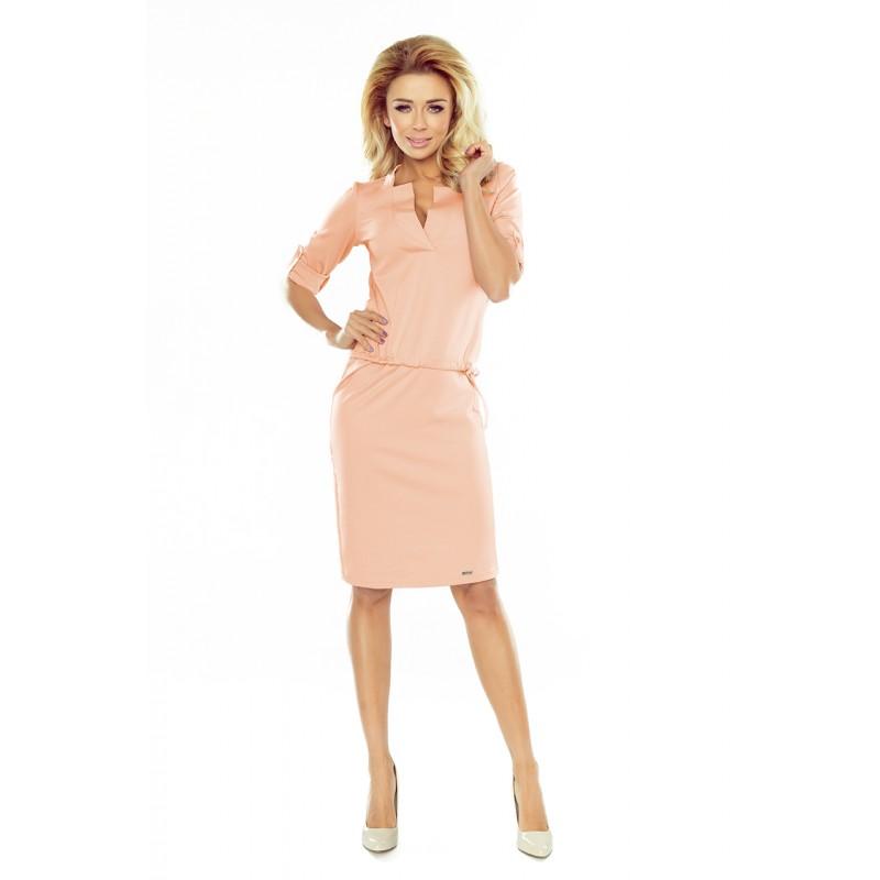 e31a22abc2 Elegantné spoločenské šaty broskyňovej farby s golierom