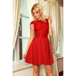 Červené spoločenské šaty s čipkou bez výstrihu