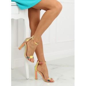 Štýlové dámske sandále v metalickej zlatej farbe s haďou potlačou