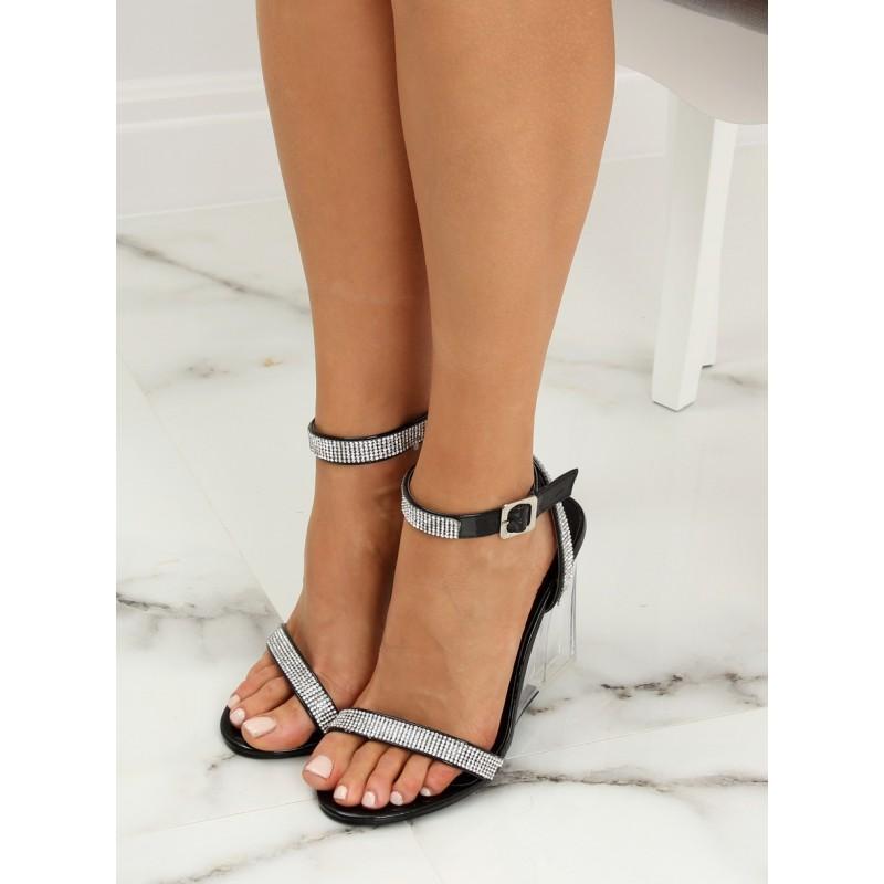 e8e5d32f3001 Originálne dámske čierne sandále s kamienkami na priesvitnej platforme