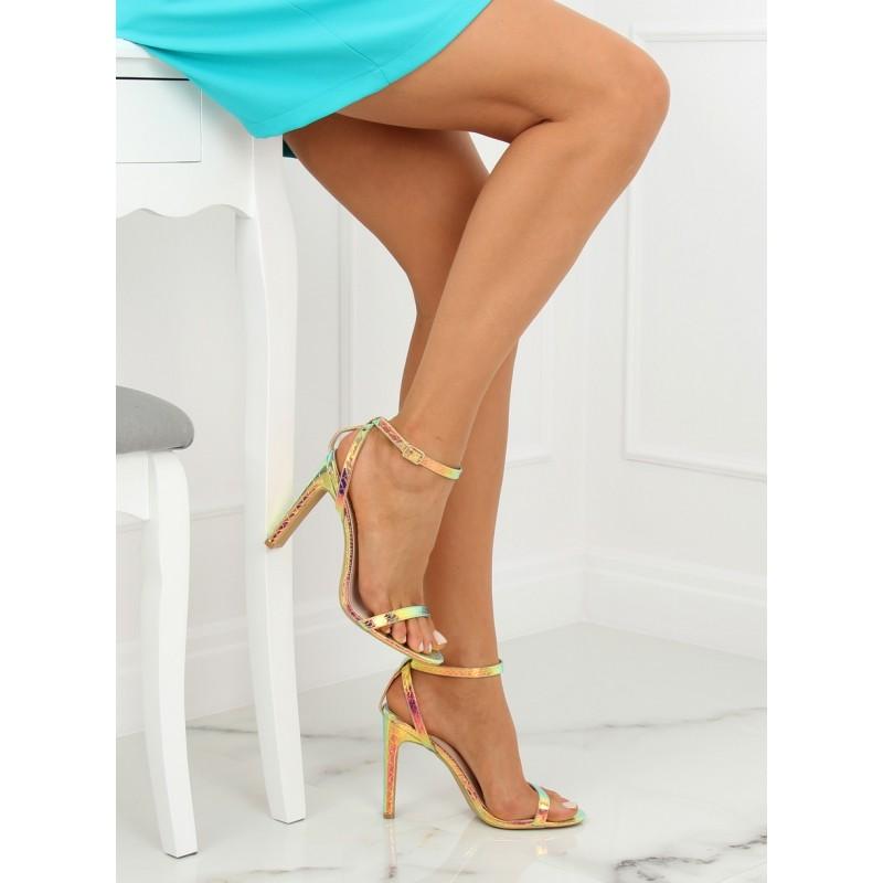 5ab550f493e2 Luxusné plesové dámske sandále zlatej farby