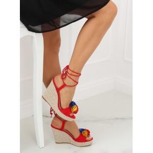 Dámske sandále s vyplneným podpätkom