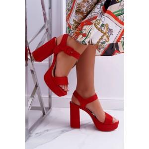 Dámske elegantné červené sandálky na plnom vysokom podpätku