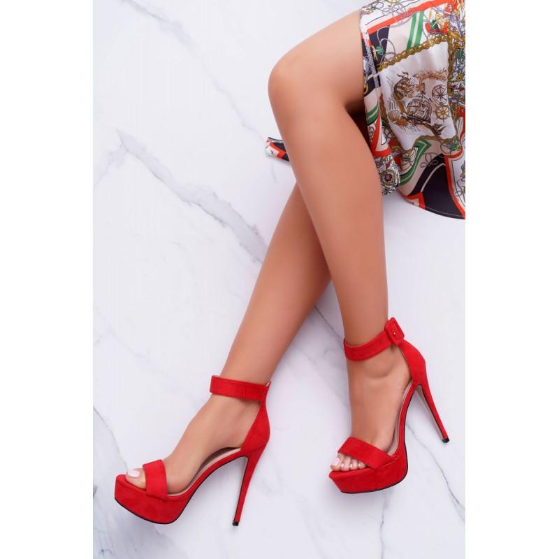 5f25ea3f5c Vysoké dámske semišové sandále červenej farby na platforme