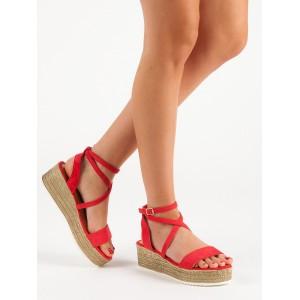 Dámske semišové letné červené sandále na platforme s trendy viazaním